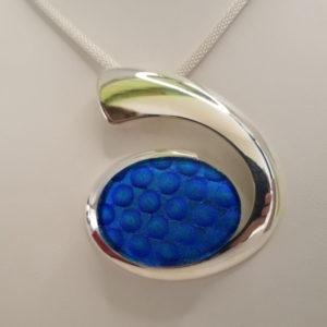 Oval-Pendant---BlueBubble